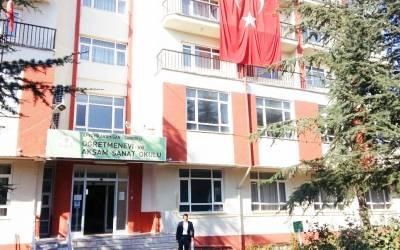 3 Bin Metrekarelik Öğretmenevi yıllık 2 Bin liraya ısınmış..