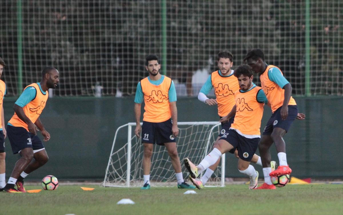Şampiyonlar Ligi'nde 3 Türk Hakem
