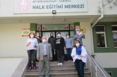 Gönüllü Hanımlar Derneği üyeleri maske üretiyor