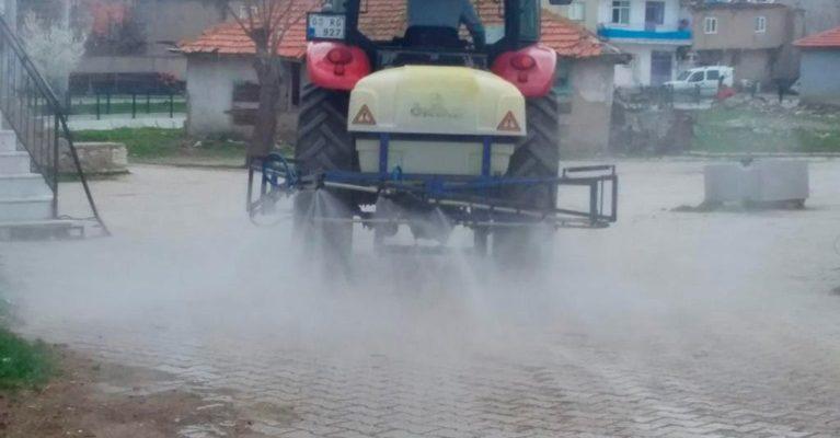 Köylerde dezenfektan  çalışmaları sürüyor