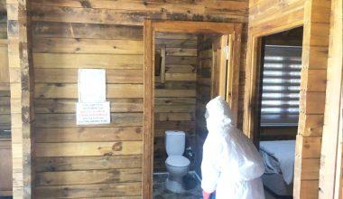 Akdağ'da Bungalov evler  dezenfekte ediliyor