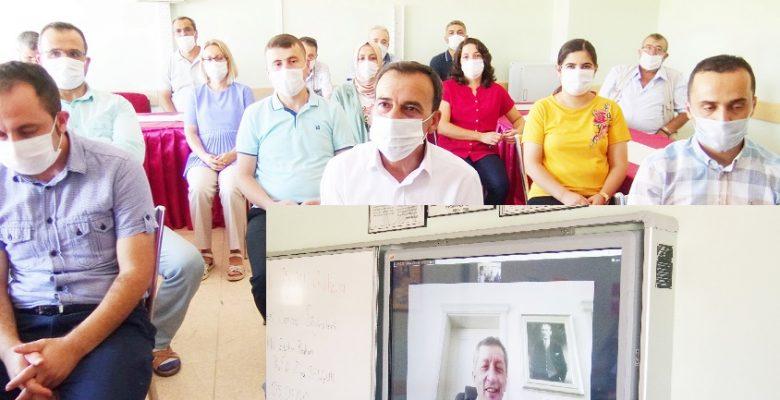 Bakan Ziya Selçuk, telekonferans ile 75. Yıl İlk okuluna bağlandı