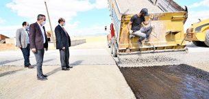 Sandıklı'da asfalt  çalışmaları sürüyor