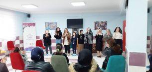 Sandıklı Gönüllü Hanımlar Derneği'nden Şuhut'lu kadınlara tiyatro gösterisi
