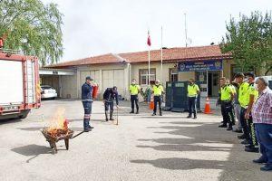 Sandıklı İtfaiye ekiplerinden  yangın söndürme eğitimi