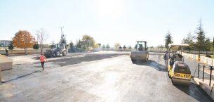 Sandıklı Belediyesi'nden Okul bahçelerine asfalt desteği