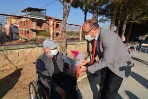 Başkan Mustafa Çöl'den engellilere ziyaret