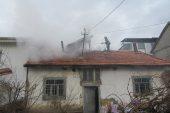 Sandıklı'da ahşap evde çıkan yangın söndürüldü